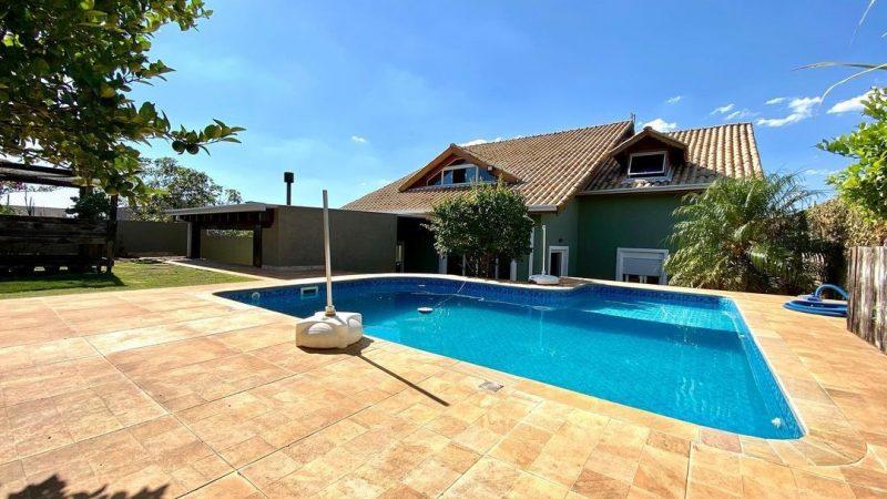 Casa à venda no Terras de Santa Cruz em Bragança Paulista SP