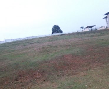 Terreno Vale das Aguas com 594,78 m2 aclive