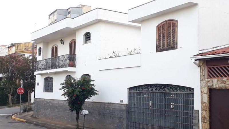 Procurando casa a venda no centro em Bragança Paulista ? Tenho essa no centro!