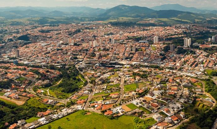 www.imoveisembragancapaulista.com