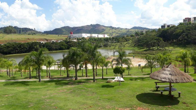 Terreno à venda em Bragança Paulista - Condomínio Vale das Águas