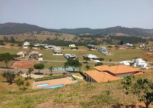 Terreno à venda no Terras de Santa Cruz em Bragança Paulista